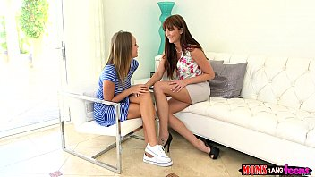 Download video sex hot Moms Bang Teen Milf gives couple some sex therapy Mp4 - TubeXxvideo.Com