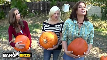 BANGBRS - FuckTeam5 Visit Pumpkin Patch, Negotiates For Lower Prices :)