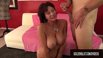 Mature Vanessa Videl Is Hungry for Sex