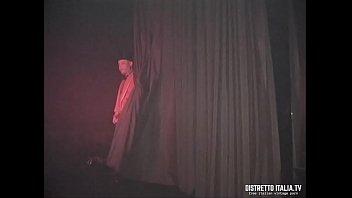 Il tunnel del sesso allo swinger club