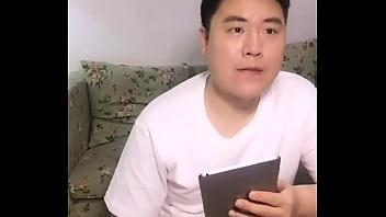 Trai cảnh sát Trung Quốc lần đầu đóng phim sex gay trên camera