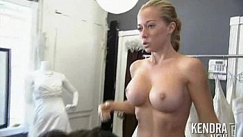 naked-kendra-wilkinson-ass