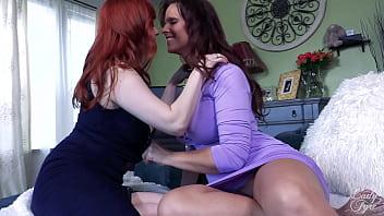 Lesbians in Love on HouseoFyre.com