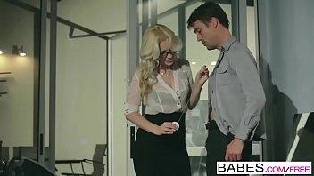 Allie Jordan macht erotische massage für Richie Calhoun