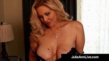 Mideast Babes Yulia Naked Shoving Didlo