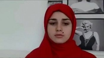Arab teen goes nude - Download from XNXX