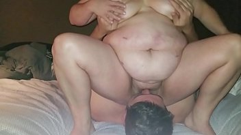 Fat MILF Sits on Face