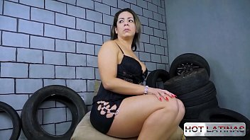 scene till cumshot:  This tire shop specializes in changing the tire and fucking customers - Suzy Slut - Renan Cobra -  -  -