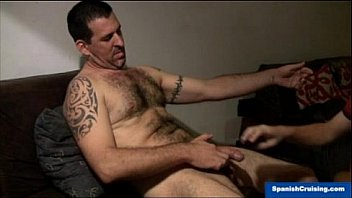 Hairy dude serviced