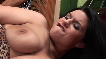 Nonton Hot Sexy Threesome At The Garage With Big Tits Bff Mom And Big Dick Guy. Xxx Har And Ruogh Big Cock Porn With Milfs.