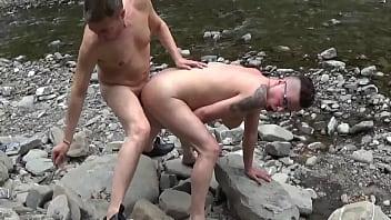 lena ragazza porca italiana  scopata al fiume