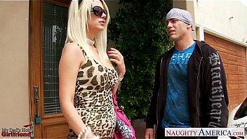 Blonde girlfriend Jazy Berlin fucking