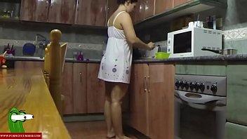 jesus sanchezx chico borracho teniendo sexo con su esposa en la cocina