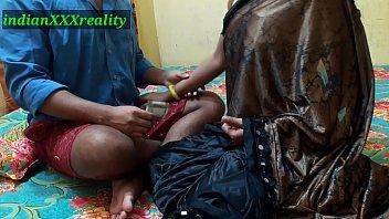 कभी सबसे अच्छा BHAI Behan Ki चुदाई स्पष्ट हिंदी आवाज में
