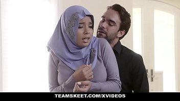 Arab chick meets white dick