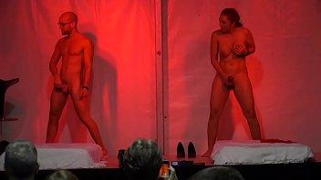 Educación sexual: Sesión de masturbación en pareja con el sex coach con Jordi Oller