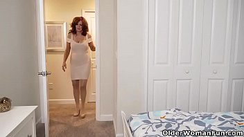 American milf Andi James will make you drool when she lets her big tits hang freely and rubs her nyloned pussy. Bonus video: American milf Dee Williams.