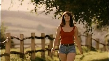 Gemma Arterton naked in Tamara Drew
