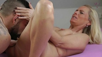 Young Boy cums fast - Horny fuck with a MILF