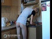 Российская девочка-подросток отдается на кухне