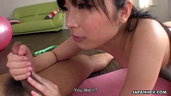 Japanese girl, Hina Maeda started squirting, uncensored