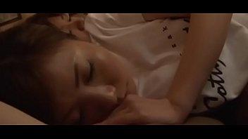 Chờ em gái ngủ rồi chịch đã ghê   FULL: bit.ly/2WtDPVN
