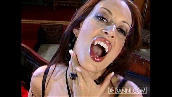 Out sister vampir xxnx