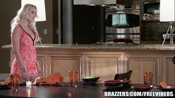 Female free videos kitchen nude