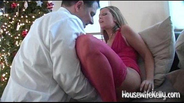 Man Eating Wifes Pussy