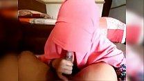 فيلم إمراتي ديوثي يصور وهو يفشخ خرق زوجته المربربه صورة