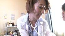 岡村麻友子が官能的な下着をまとったキャラクター...