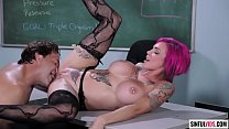 Anna Bell Peaks squirts for a juice thirsted man