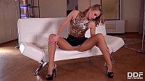 Watch Luxurious Pantyhose slut Ivana Sugar Oils down_& Cums hard preview
