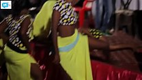 Most epic african Online videos » Khanga moja_wacheza uchi hadharani Thumbnail