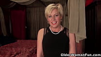 Nyloned milf Diamond Fantaine from the US needs...