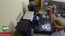 Dj fucking and scratching in the chair with a h...