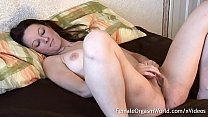 Honey Masturbates Her Huge Pussy Lips to Pulsing Orgasm Thumbnail