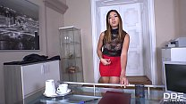 Leggy cum-addict hottie Frida Sante swallows cock under the table in the office Thumbnail