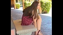 What is the name of this girl? Who is she? Cual...