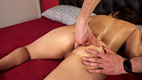She enjoys relaxing with fingers in pussy and a...