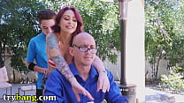 Daddy not looking while bf fucks his wife and daughter's Thumb
