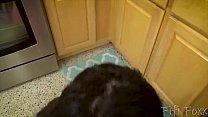 Teen Daughter Seduces Dad When Mom Leaves صورة