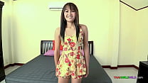 Skinny Thai amateur just wants to be fucked hard