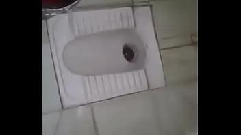desi couple in toilet
