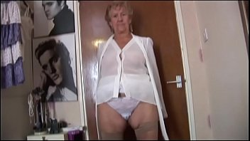 young amateur in granny girdle panty
