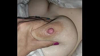 Leaking nipples pregnant