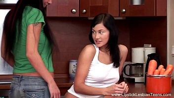 Beautiful Teen Lesbians Butt Lovers