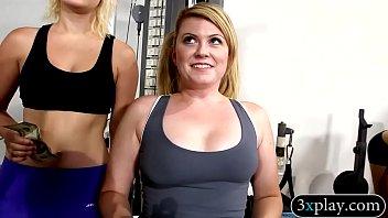 Random girls flash their tits in the gym