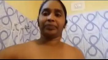 aunty take selfie in bathroom