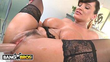 BANGBROS - Hot Cougar Lisa Ann Gets Her Big Ass Banged Hard